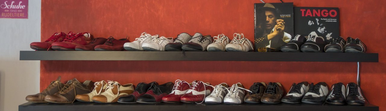 Schuhe für Tango Argentino. Kauftipps und Adressen von Tangonautics - Tango Argentino in München